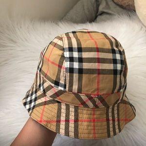 Authentic Burberry Bucket Hat Meduim / Large